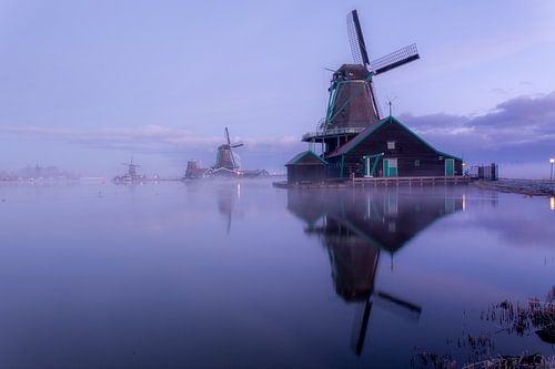 Mist en spiegeling van molens