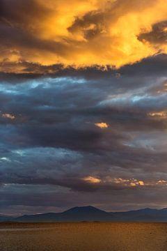 Stürmische Himmel in Griechenland von Miranda van Hulst