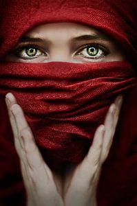 Arabische roos (Steve Mcurry inspiratie) van Elianne van Turennout