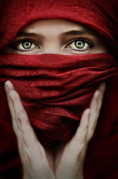 Arabische roos (Steve Mcurry inspiratie) (gezien bij vtwonen) van Elianne van Turennout
