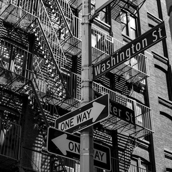 NY Stairs and Signs van Jeanette van Starkenburg