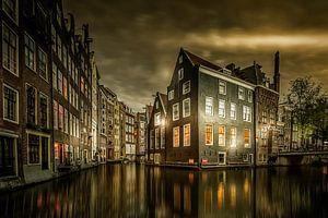 Amsterdam wanneer de avond begint van
