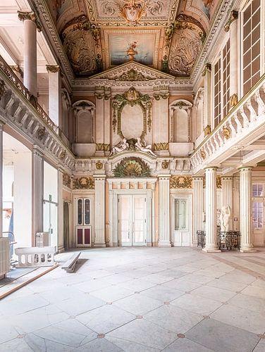 Spa abandonné dans le style italien.