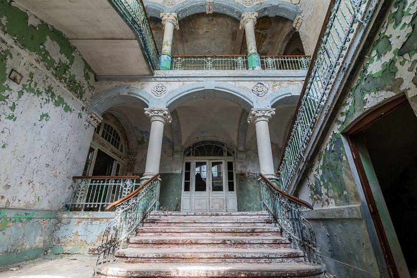 Royal Staircase van Oscar Beins