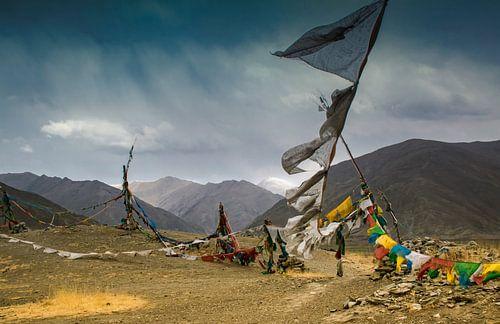 Dramatische lucht in de vallei der koningen, Tibet