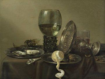 Stilleven met oesters, een citroen, een roemer en een omgevallen tazza, Willem Claesz. Heda