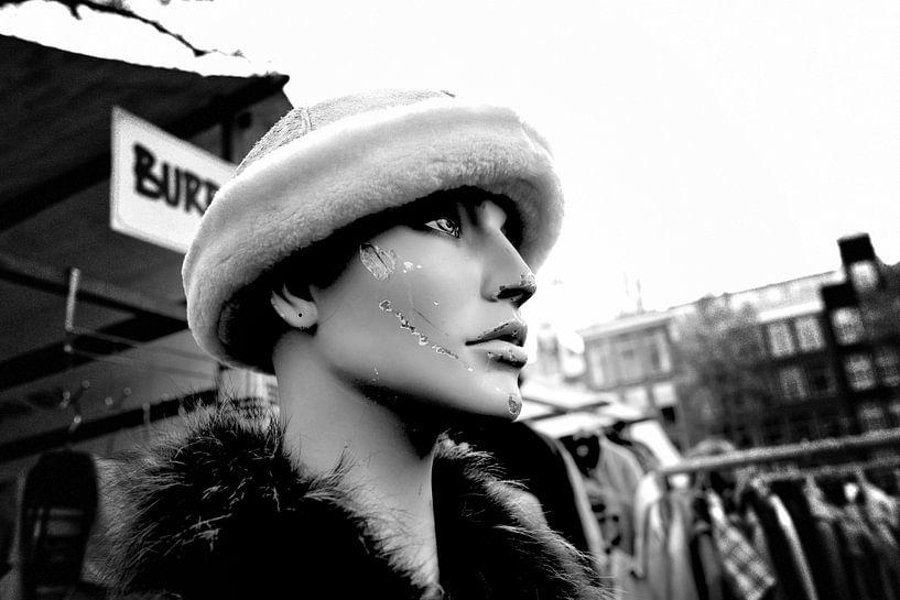 Vlooienmarkt Amsterdam (zwart-wit) van Rob Blok