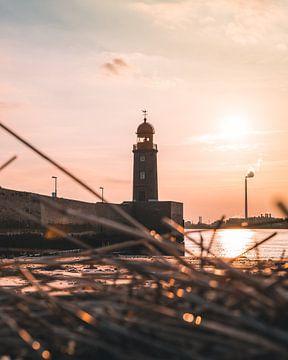 Leuchtturm an der Nordsee von Arnold Maisner