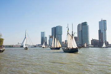 Historische Zeilschepen in Rotterdam van Charlene van Koesveld