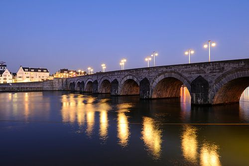 Sint-Servaasbrug over de Maas in Maastricht van Merijn van der Vliet