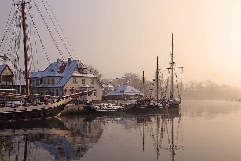 Ein Wintermorgen im Hafen von Werner Reins