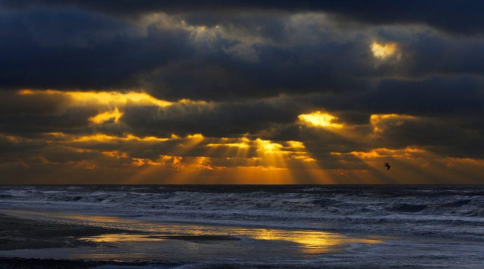 Katwijk Zonnestralen Breken door de Wolken van M DH