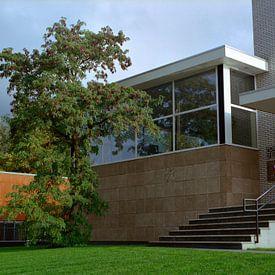 Kantoorgebouw ontworpen door Gerrit Rietveld. van Erwin Zeemering