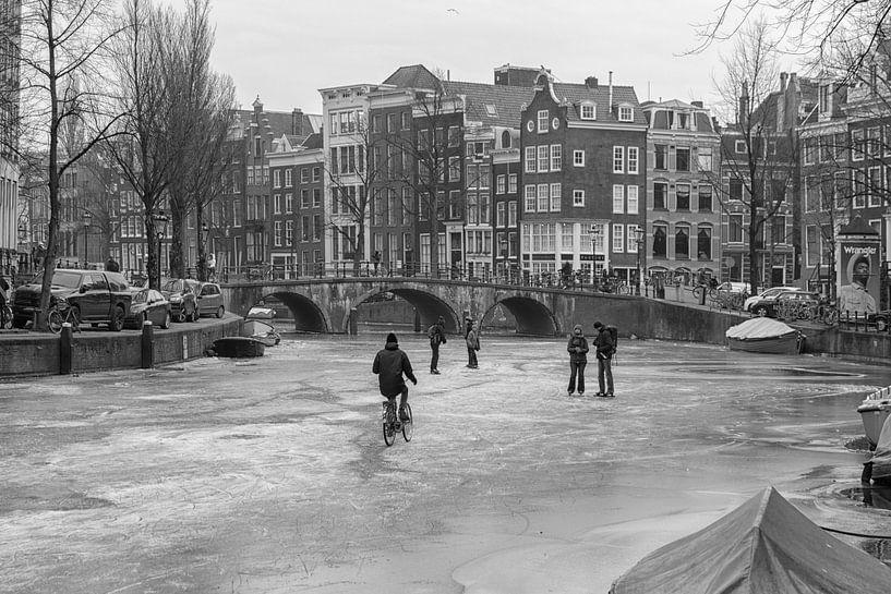 Ijs op de Amsterdamse grachten 2018 van Dennisart Fotografie