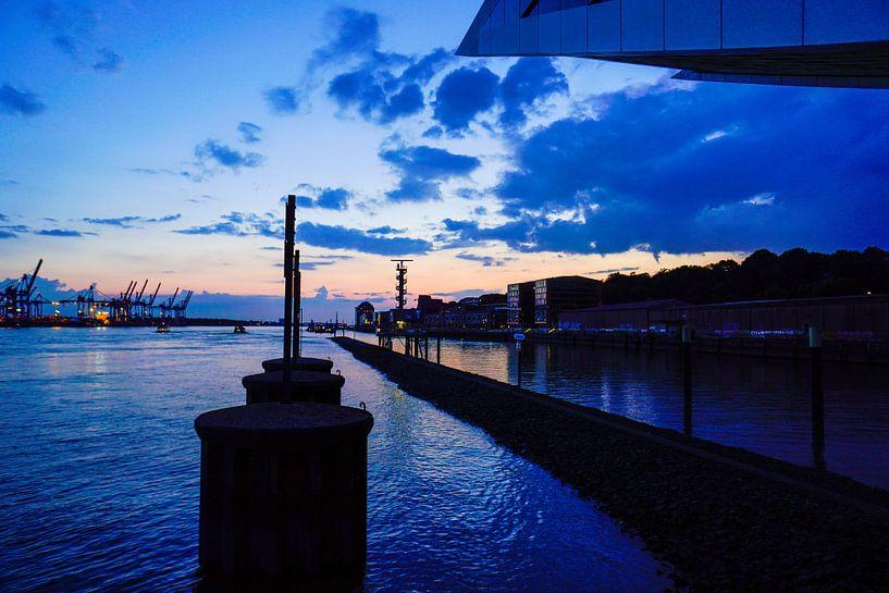 Hamburg bij nacht van Anna Heisig