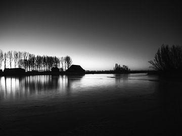 Dämmerung Schwarz-Weiß-Landschaft von Cynthia Bil