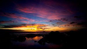 het einde van de dag, een mooie zonnige dag, de kleuren groeten ons in een heerlijk schouwspel