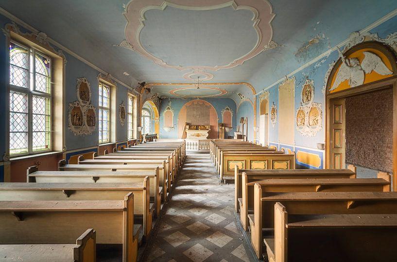 Mooie Verlaten Kapel. van Roman Robroek