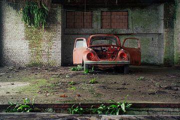 Urbex - Volkswagen Käfer in der Werkstatt von Tim Vlielander