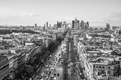 Zicht op La Défense (2) - vanaf de Arc d'Triomphe van