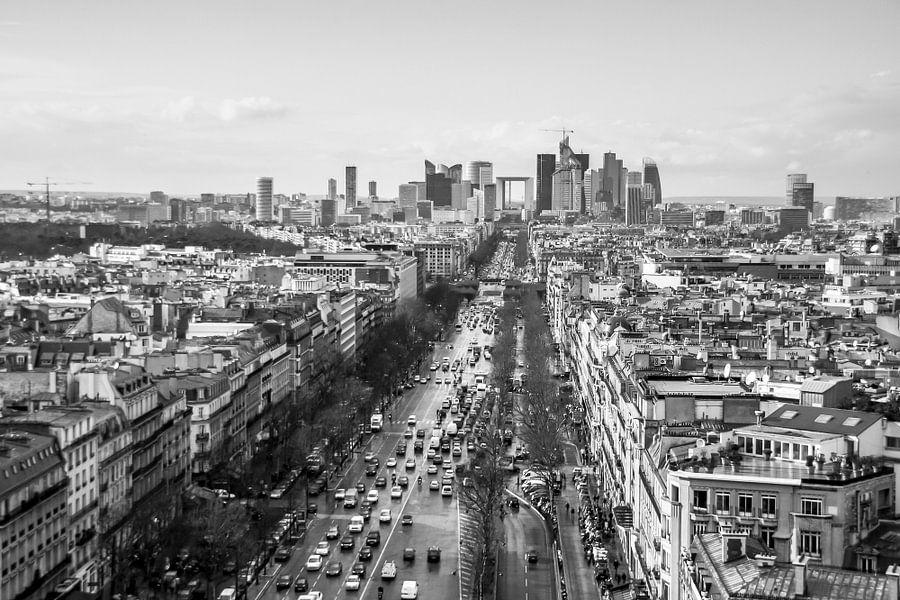 Zicht op La Défense (2) - vanaf de Arc d'Triomphe van Rob van der Pijll