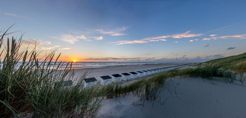 Paal 28 zonsondergang Texel  van Texel360Fotografie Richard Heerschap