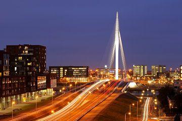 Die Prins Claus-Brücke und der Gewerbepark Papendorp in Utrecht sur Donker Utrecht