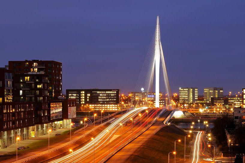 De Prins Clausbrug en bedrijventerrein Papendorp in Utrecht van Donker Utrecht