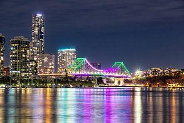 Story bridge over de swan river in Brisbane van hugo veldmeijer