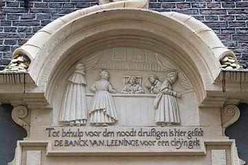 Gevelsteen Bank van lening in Amsterdam van Peter Bartelings Photography