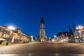 Delft.  Neue Kirche auf dem Markt. Abendschuss. von Gerrit de Heus