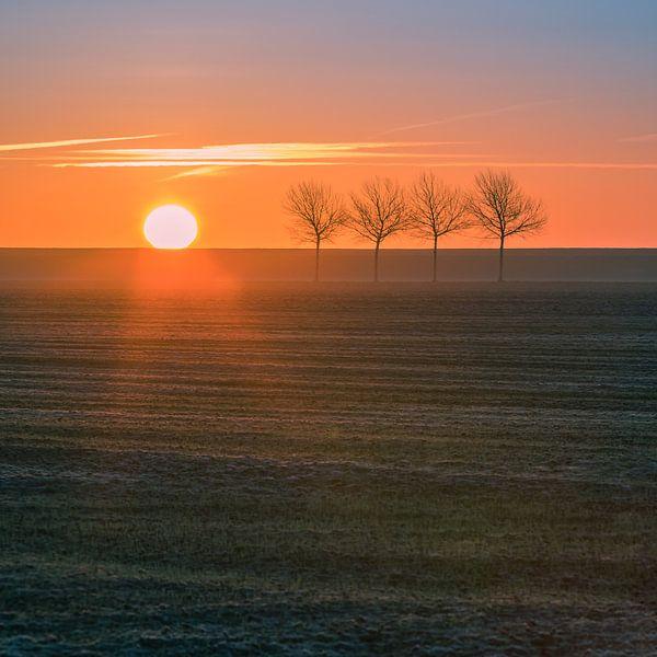 Zonsopgang in het noorden van Groningen, Nederland van Henk Meijer Photography