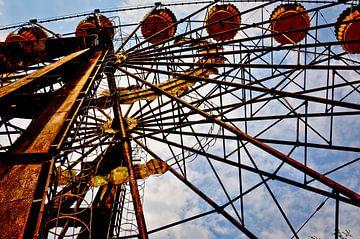 Feris Wheel in Pripiat Ukraine (Chernobyl) sur Jeroen Berends