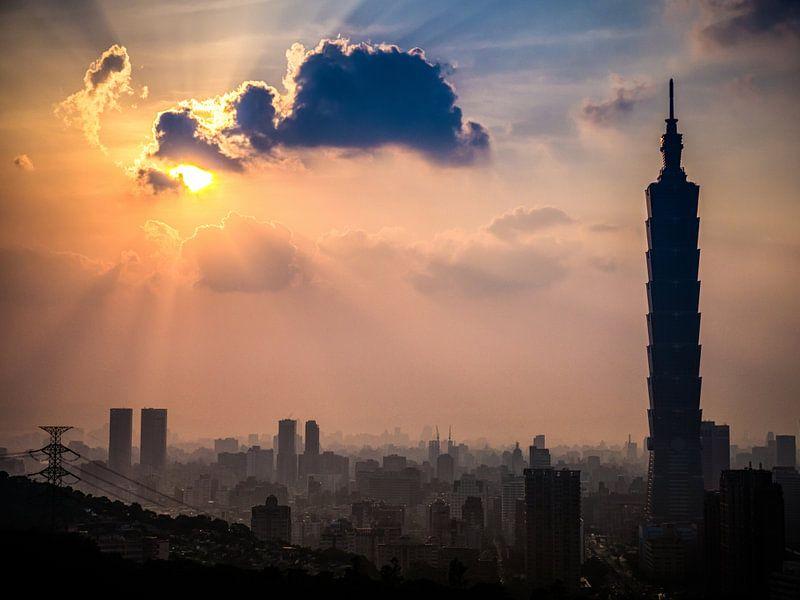 Taipei zonsondergang van Albert Dros
