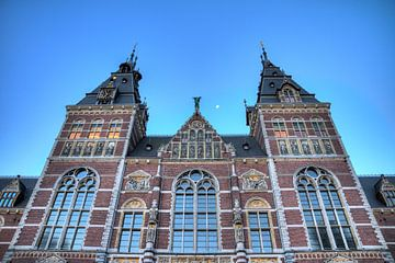 Rijksmuseum blauwe uur met maan sur Dennis van de Water