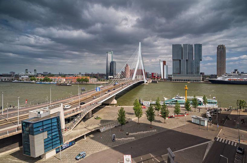 Erasmusbrug | Rotterdam van Rob de Voogd / zzapback