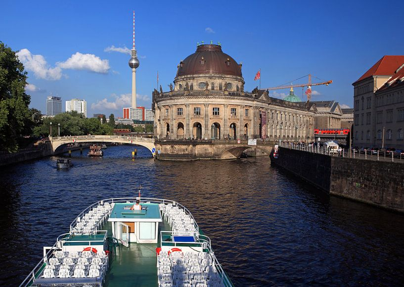 Bateau à bec sur la Berlin Spree à l'île des musées sur Frank Herrmann