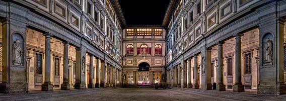 Uffizi gallery Florence at night II van Teun Ruijters