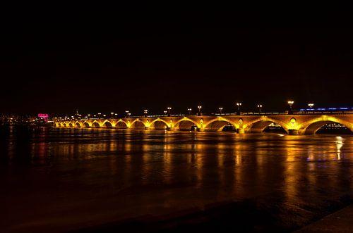 Brug in Bordeaux Frankrijk. van