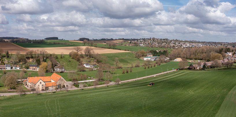 Luchtfoto van Bulkumsbroek en het Hulsveld in Simpelveld van John Kreukniet
