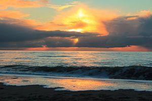 Prachtige zonsondergang op het Maasvlaktestrand van Capture the Moment 010