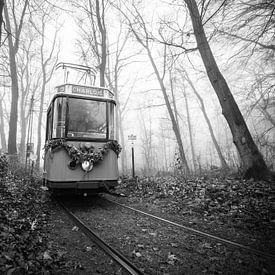 De oude tram uit de mist sur Marco Bakker