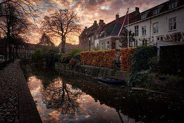 Sonnenuntergang in den Kanälen von Amersfoort von Sjoerd Mouissie