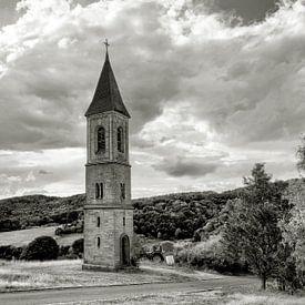 Der einsame Glockenturm von Uwe Ulrich Grün