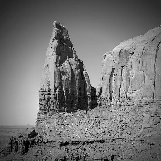 MONUMENT VALLEY Spearhead Mesa black&white van Melanie Viola