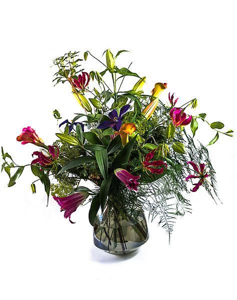 Blumenstrauß in einer Glasvase von Atelier Liesjes