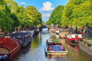 Rondvaart Amsterdam in de zomer sur Dennis van de Water