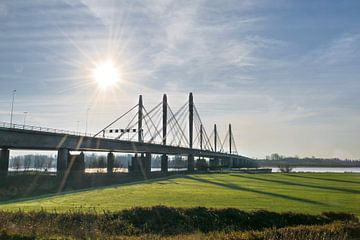 Tacitusbrug, Waalbrug bij Ewijk van Patrick Verhoef