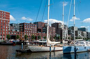 Jachten en oude schepen in het Westerdok