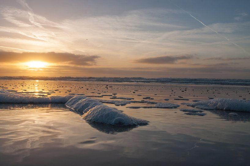 Zonsondergang in Egmond aan Zee van Dirk Sander